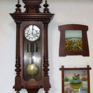 Zidna ura i slike